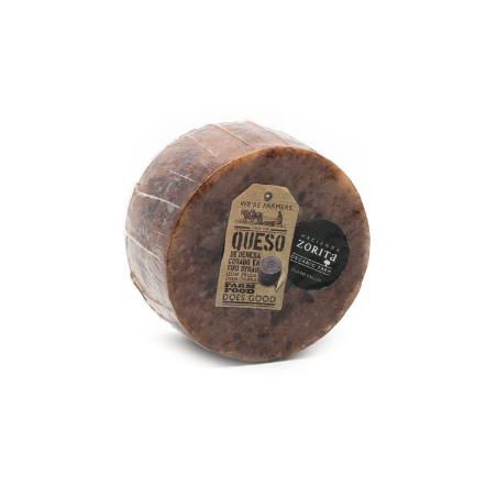 Bio-Schafskäse von der Hacienda Zorita, mit Syrah-Rotwein affiniert, 1 kg